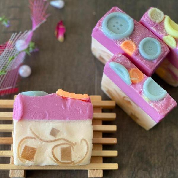 Natural Handmade Soap Bubble Gum SOAP with free facemask